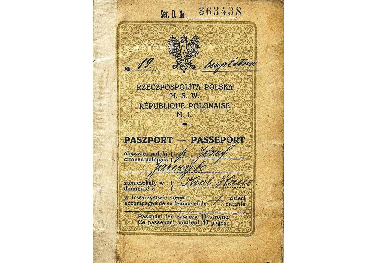 Polish Republic official passport